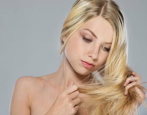cheveux gras, sébum, astuces cheveux gras